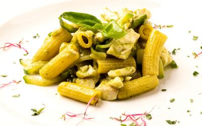Rigatoni con ragù di orata e zucchine